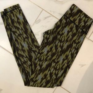 GREAT CONDTION LULU LEGGINGS